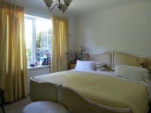 lawnes-bedroom